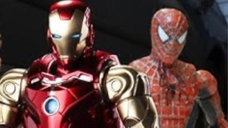 蜘蛛侠玩具:蜘蛛侠给钢铁侠在线升级