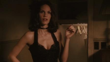 这才是真正惊艳的西方美女,简直太性感了,性感尤物啊!
