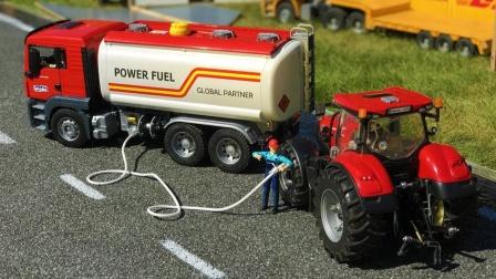 油罐车为工程车玩具加油