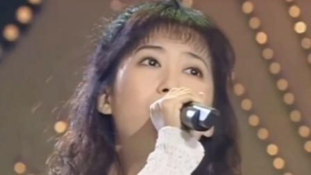 孟庭苇经典歌曲《风中有朵雨做的云》当年这首歌红遍大江南北,不知如今还有多少人在听