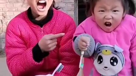 趣事童年:看我们笑的多开心