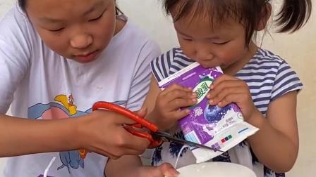 无穷的乐趣:宝宝不给姐姐喝奶