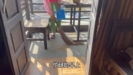 小伙娶的尼泊尔老婆勤劳贤惠,每天做家务