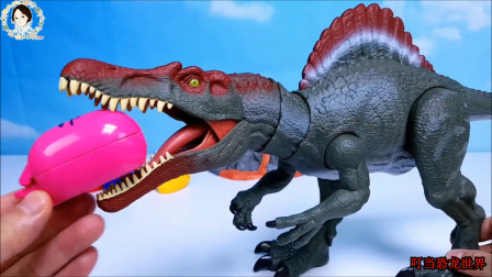 恐龙妈妈带来恐龙蛋,恐龙蛋里面有恐龙宝宝