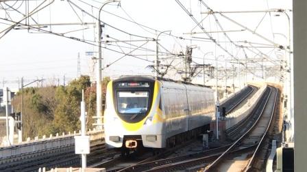南京地铁S9宁高线石湫站:往高淳的列车