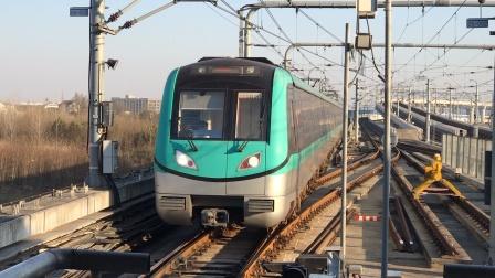 南京地铁S1/机场线翔宇路南站:往南站方向的列车