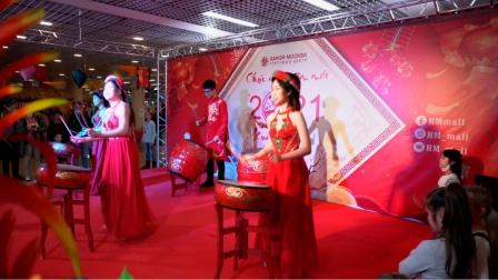 越南超市的春节,表演,美食,中越混搭,年味十足