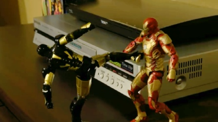 蜘蛛侠玩具动画:钢铁侠刚到新家就被其他玩具欺负了