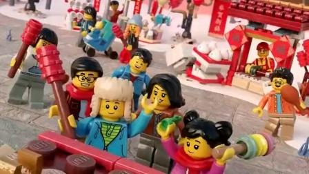 《小晨玩具乐园》一起去梦幻乐高新年上市的世界