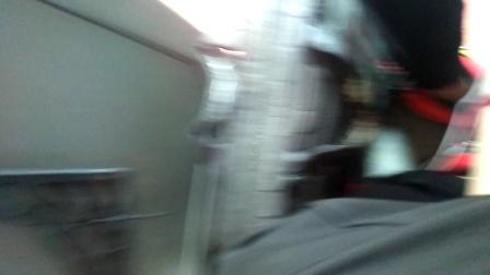 乘坐锦山的班车回三江老家。