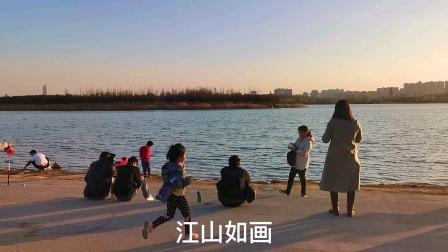 春风送暖,江山如画,随游人一起踏青在北龙湖畔