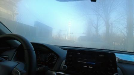 冬季怎样快速消除车内雾气,如何加注玻璃清洗液,了解一下