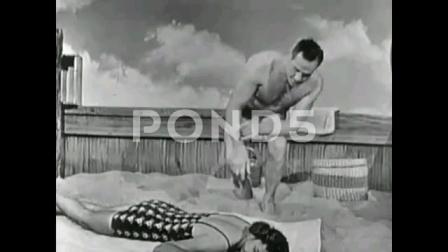 性感苗条美女溺水昏迷,壮汉给她做俯卧压背人工呼吸!