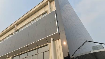 """中国有""""发电玻璃""""?2平米可提供270度电流,称""""墙上油田"""""""