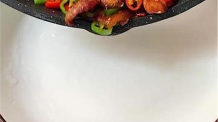 今日炒个回锅肉,我能吃六碗饭
