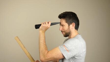 老外用自己身体来实验楔子的威力,这一锤子下去脑袋还不开花?