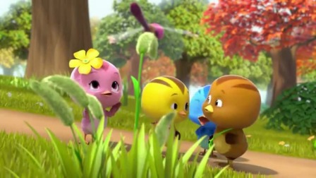 萌鸡宝贝们跟小蜻蜓做了好朋友玩得很开心