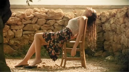 意大利国宝级性感女神,每个男人的硬盘里,都应该有她的这部电影