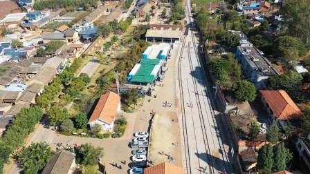 航拍云南蒙自碧色寨火车站,因为一部电影,这里再现昔日繁华,游人如织