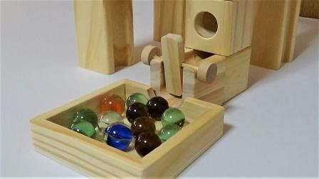 木块拼搭玻璃弹珠跑道