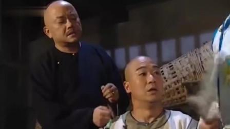 老纪不愧是文化人,让皇上站着和珅捶背,没想竟救了皇上