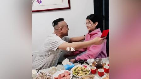 山东一再婚家庭的温馨一刻,一家人在一起最幸福