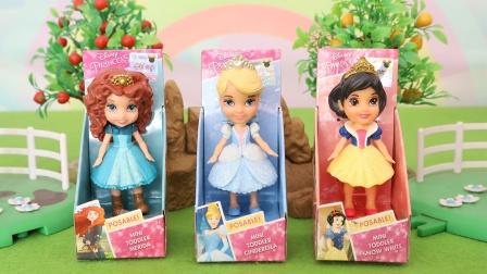迪士尼公主:白雪梅莉达仙蒂迷你公主人偶