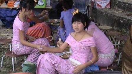 """继越南之后,尼泊尔也贴出""""中文""""标语,内容成功把国人逗笑"""
