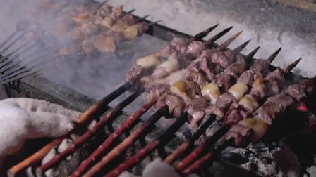新疆羊肉串也太好了吧,这个新疆小城市,竟然也有这么多美食