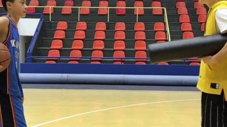 篮球教学:训练学员训练中偷懒了