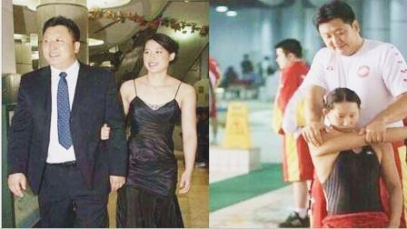 游泳冠军嫁大23岁教练,教练违规被处罚后,定居澳洲生下一女