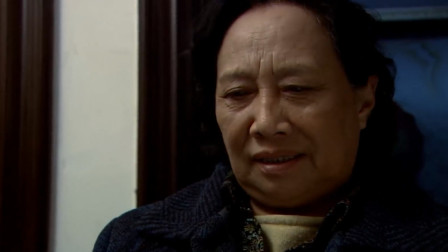 婆婆看见有人送礼,以为是追求儿媳的,谁知竟然是追自己的