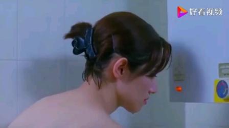 清纯美女脱衣洗澡