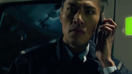 冲锋车:小伙被罪犯劫持,罪犯还用手机语音刺激他