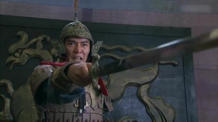 韩信:殷实违抗军令,韩信杀鸡儆猴,仗打40在外示众!