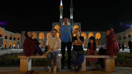 骑行伊朗Vlog5:热情的波斯人送甜瓜,难得他乡遇中国同同胞,一起火锅走起