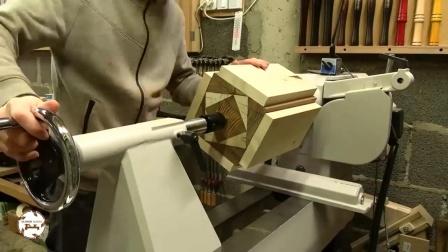 这车削技术让人佩服!几块木板粘合在一起就能制作艺术品