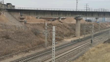 太局湖段内燃机车DF8B5550单机快速通过去往大同东站方向
