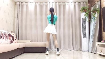 网红广场舞《小花》精选背面教程