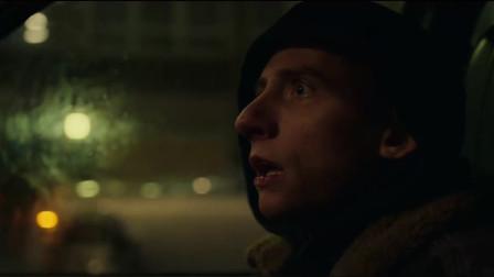 伦敦黑帮:兄弟刺杀黑帮头目,约安在车里望风,却遭遇恐怖一幕