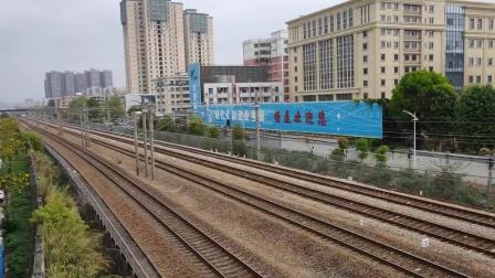 开往深圳的货列
