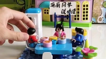 搞笑玩具:你这狗也太能吃了吧