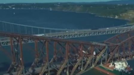 大桥还没剪彩就坍塌 19000吨钢筋落下75人丢掉性命