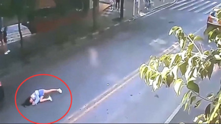 女孩着急过马路,要不是监控,都不知有多无助!