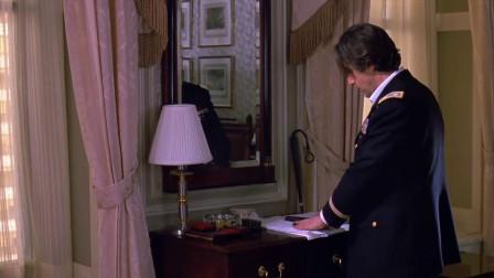 太不容易了,老头终于放下了枪,查理也终于松了口气
