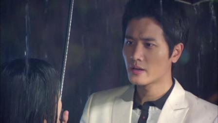 因为爱情:媛媛被婆婆赶出家门淋着雨,齐霁看到霸道总裁上身!