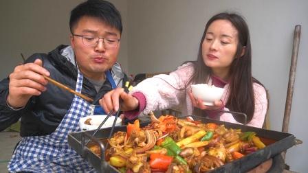 冒雨吃铁板碳锅鸡,谈小院规划,这是一顿,很多人都想吃的饭