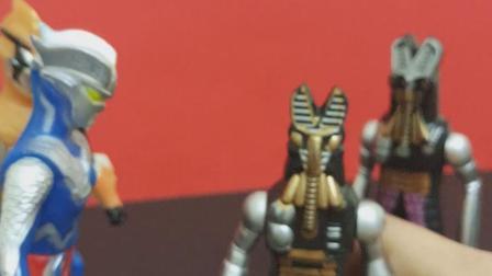 赛罗听不懂怪兽在说啥