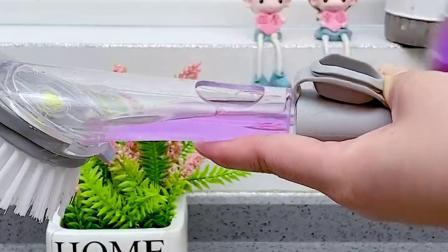 自动加液刷,多种刷头,清洗方便不伤手!