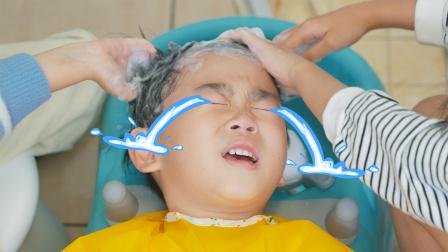 快点来枫枫的理发店洗头吧,很舒服的!